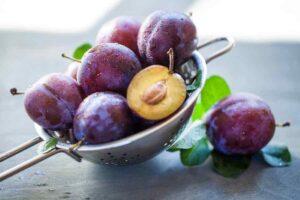 De-ce-este-recomandat-sa-includem-prunele-in-dieta